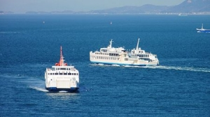 450pxferries_on_the_utaka_line
